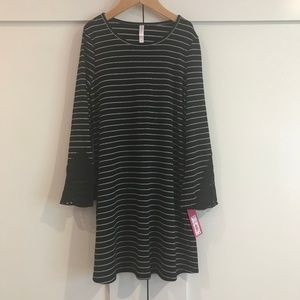 Xhilaration Girl's Striped Knit Dress Sz M 7/8